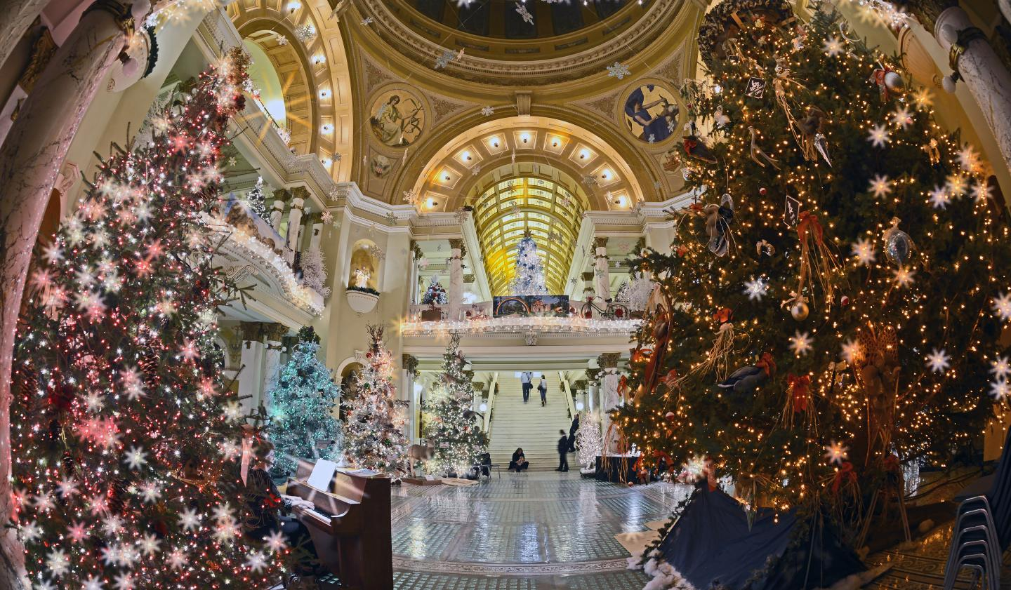 Christmas at the Capitol, Pierre