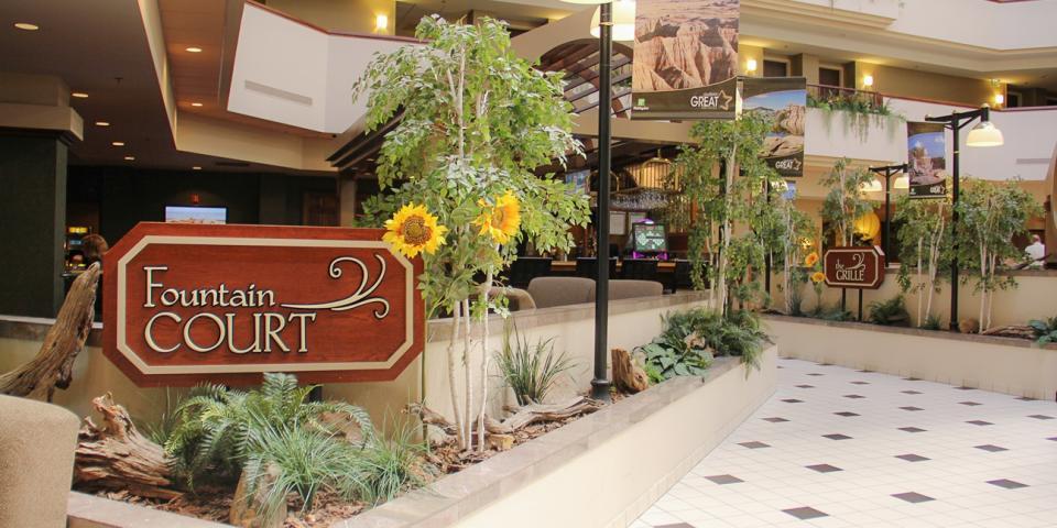 Holiday Inn Rushmore Plaza Fountain Court