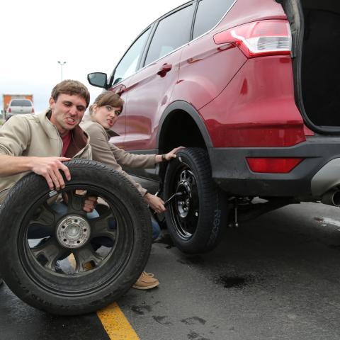 Al's Oasis tire change